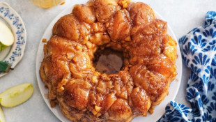 Caramel Apple Monkey Bread Recipe